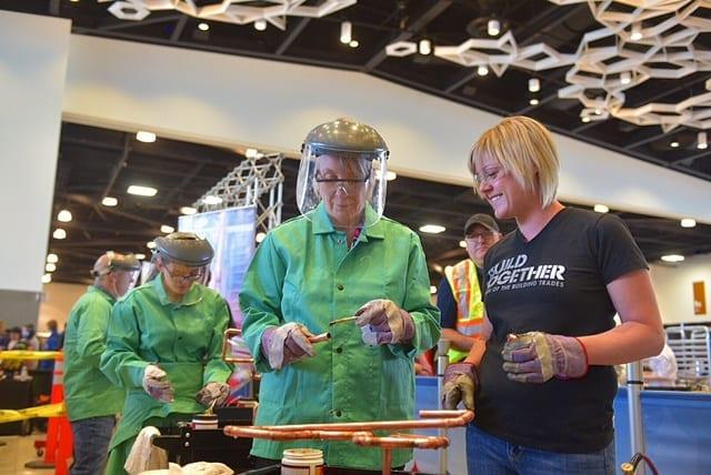 LES OLYMPIADES CANADIENNES DES MÉTIERS ET DES TECHNOLOGIES BATTENT LEUR PLEIN À WINNIPEG
